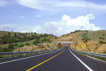 ACB de la autopista Siglo XXI tramo Jantetelco-Xicatlacotla, Morelos, México.