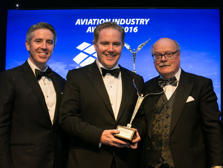 Dómhnal Slattery receives 2016 Outstanding Contribution to the Aviation Industry