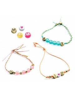 bijoux-a-creer-perles-alphabets-djeco.jp
