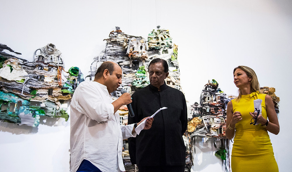 Alnoor Mitha (left) at the Colombo Art Biennale in 2016. Courtesy of the International Biennial Association.