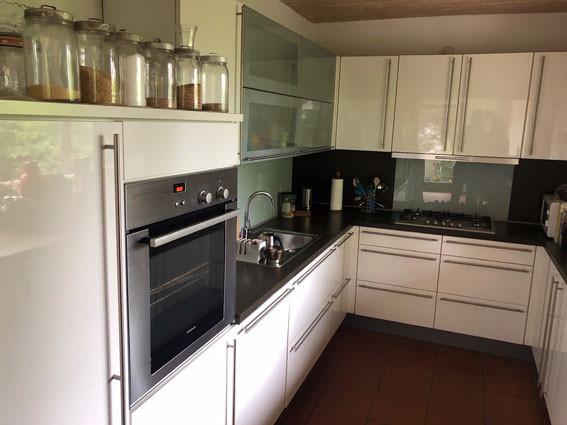 Einbauküche mit Gas Herd