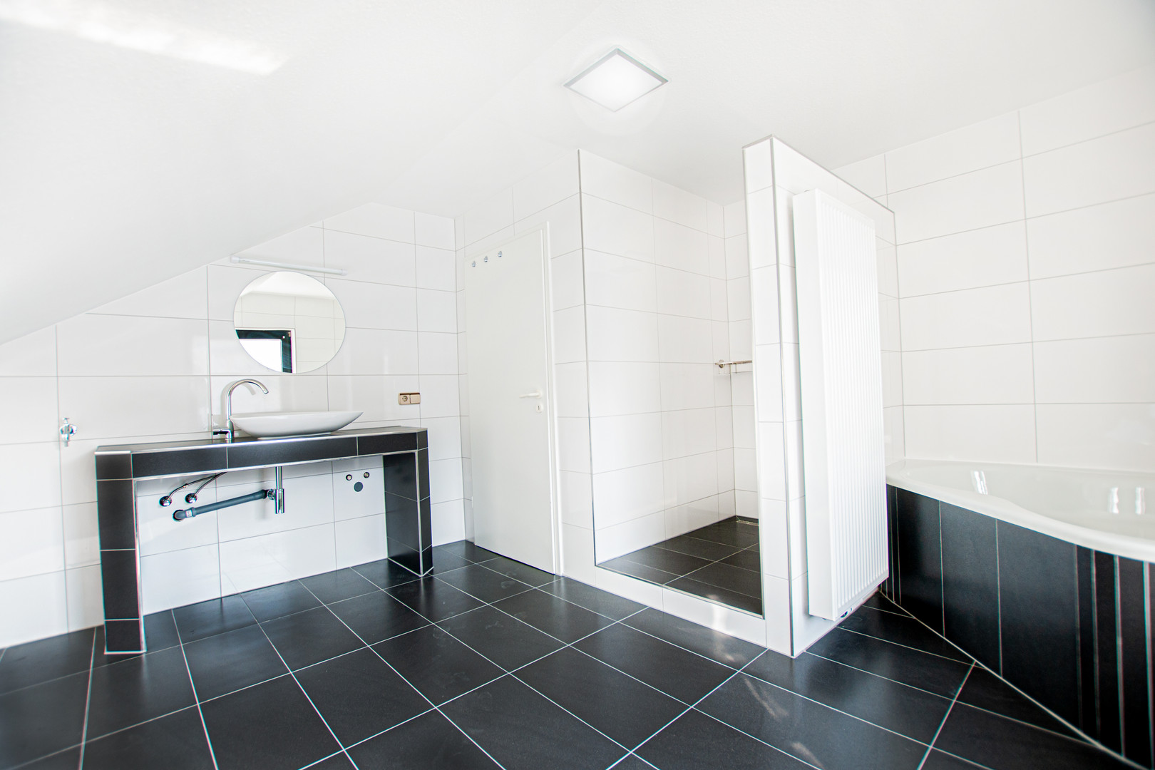 Badezimmer der Wohnung im Dachgeschoss