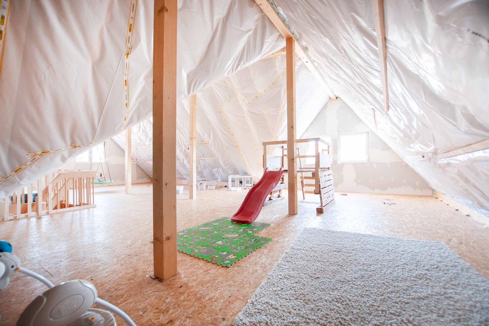 Dachgeschoss vorbereitet für den Ausbau 110 qm Fläche