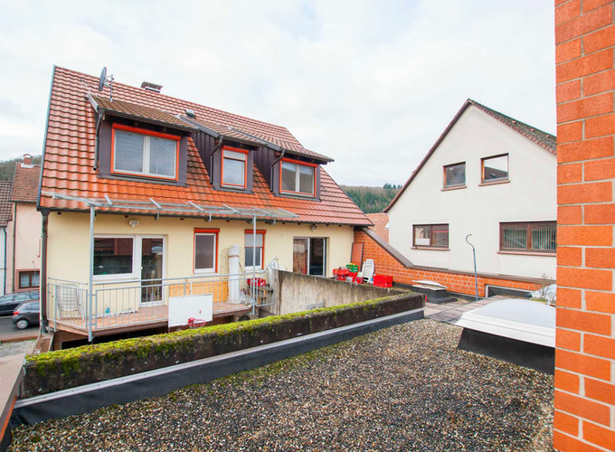 Kreuzwertheim Wohn- & Geschäftshaus