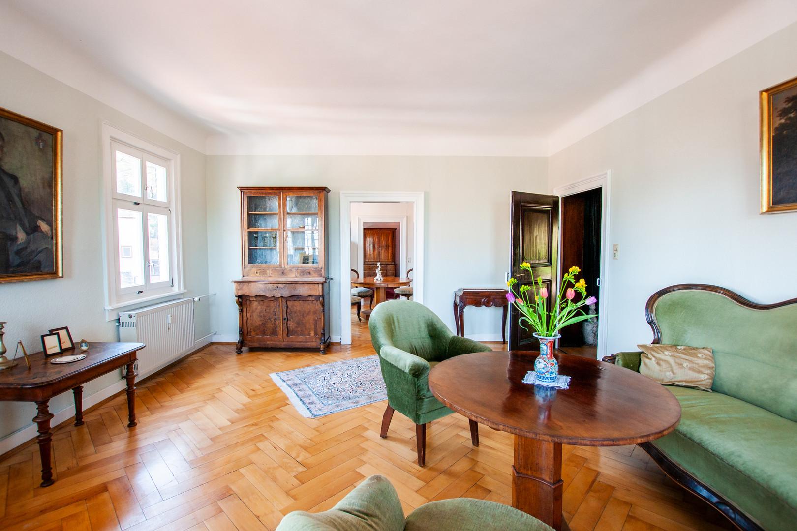 Wohnbereich im Biedermeier Stil