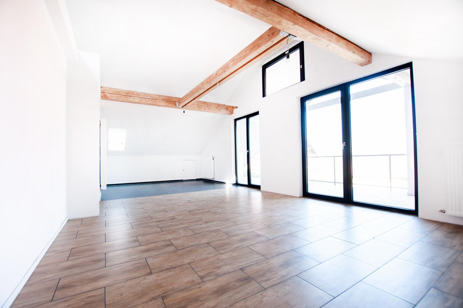 Ess/Küchen/Wohnbereich der Wohnung im Da