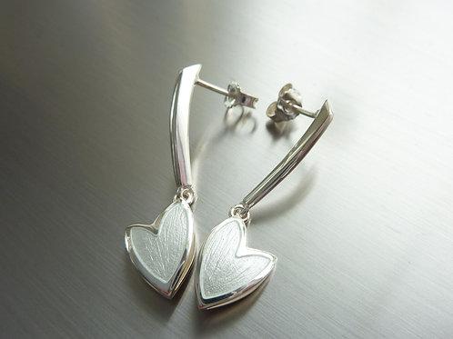 """""""Swan"""" örhängen - korvakorut"""