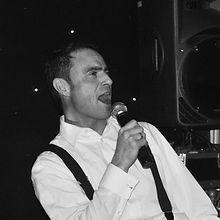 Alexander Lomas Singing Live