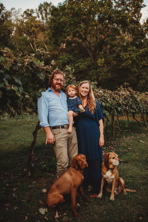 Family portrait with dogs at the Abingdon Vineyards in Abingdon Virginia