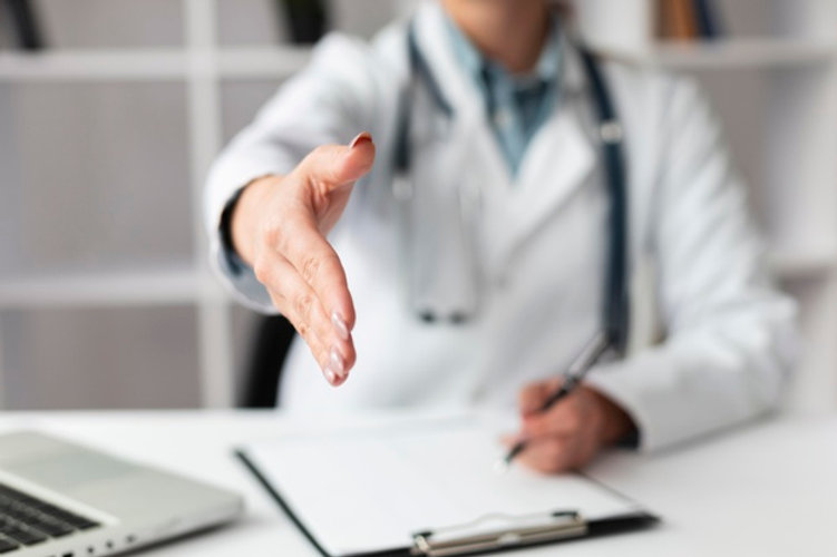 close-up-doctor-waiting-shake-patients-h
