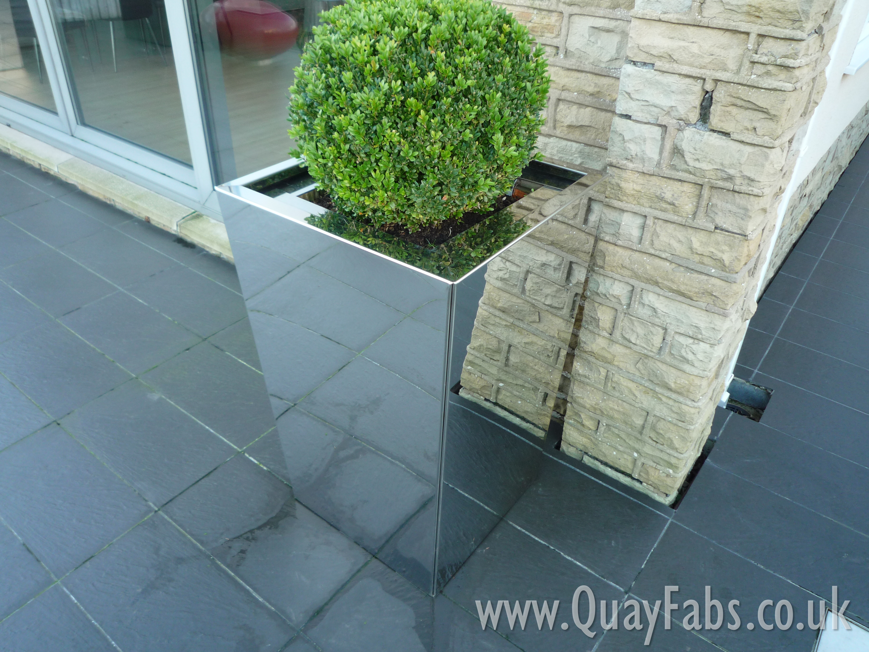 Quay Fabrications Lancaster Ltd Planters (2)