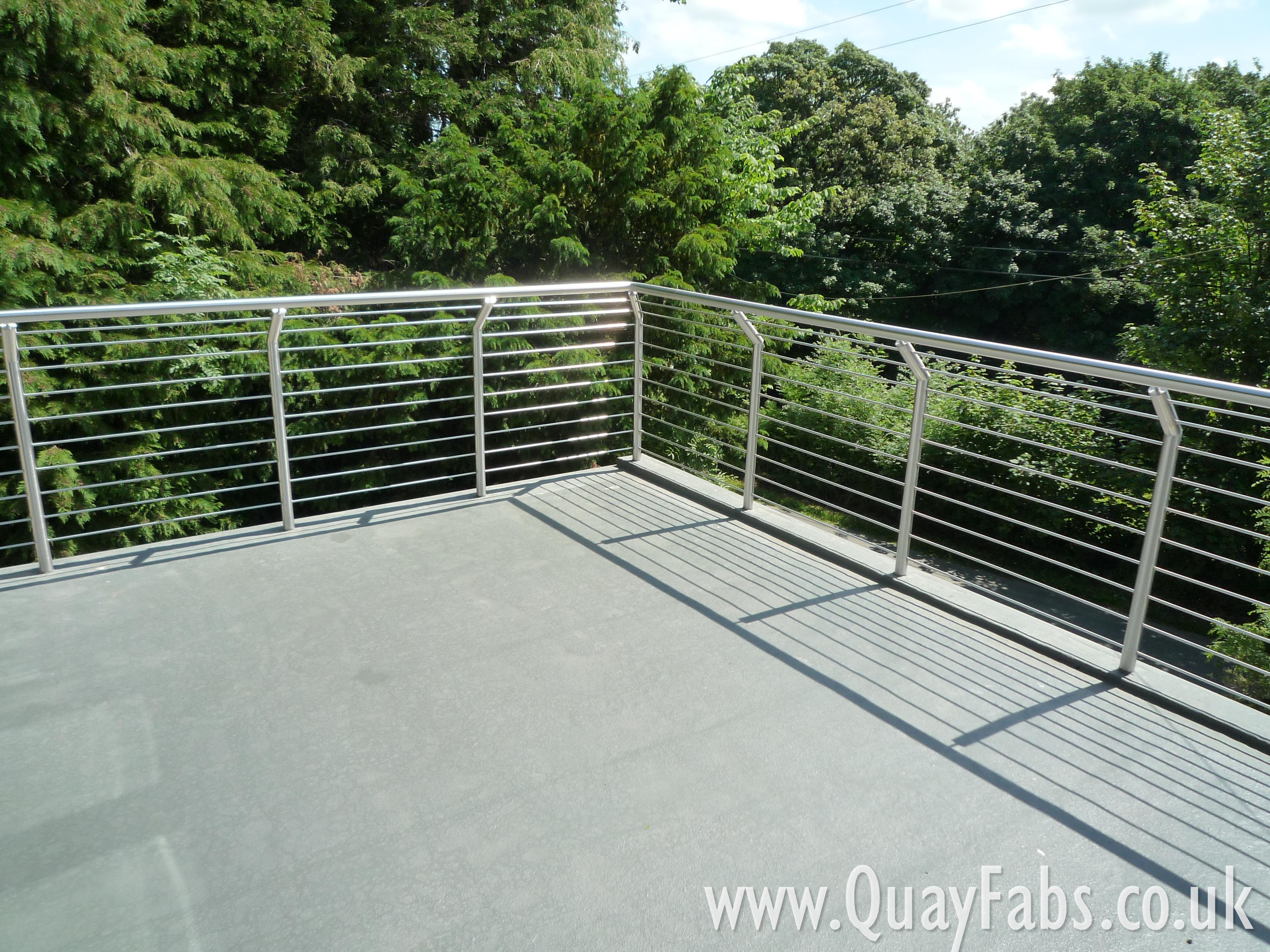 Quay Fabrications Lancaster Handrail (2)