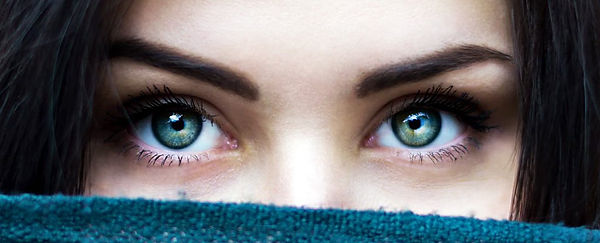 green_eyes_unsplash_1024.jpg