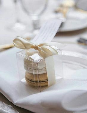 cinnamon-girls-4-u-macaroon-wedding-favo
