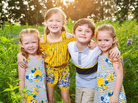 Family Photo Ideas: Sweet, spontaneous moments