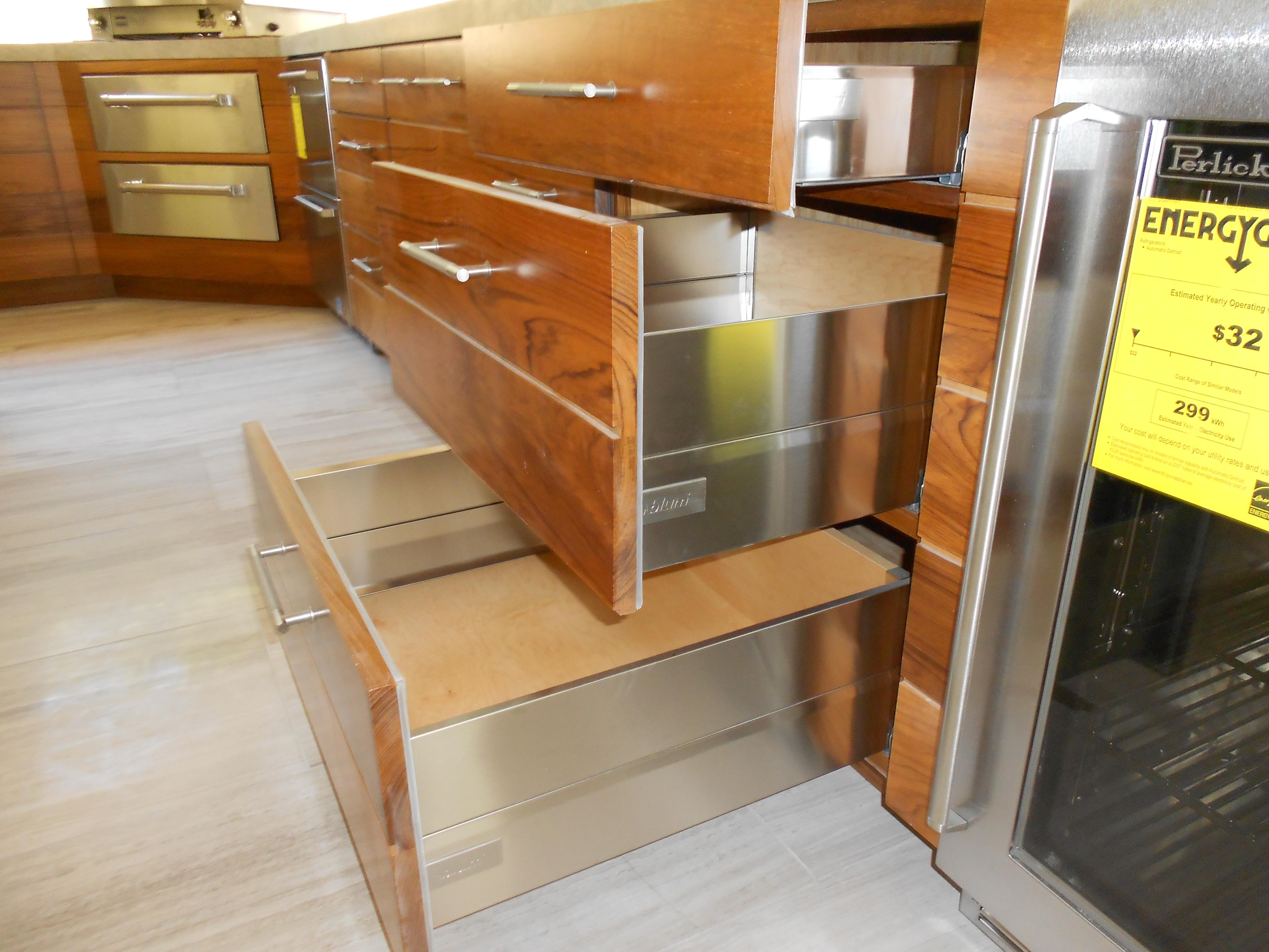 Woodwork 070