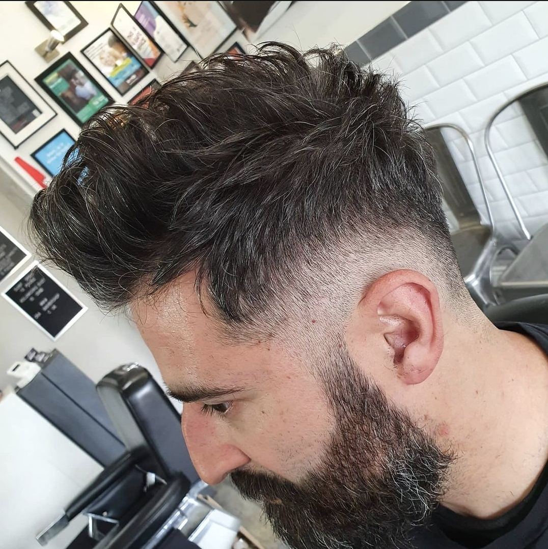 Razor Cut Quiff with 0 Grade Back and Sides