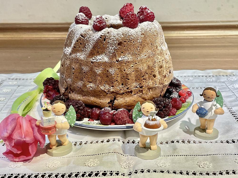 saftiger Kürbis Herbstkuchen mit Schokolade
