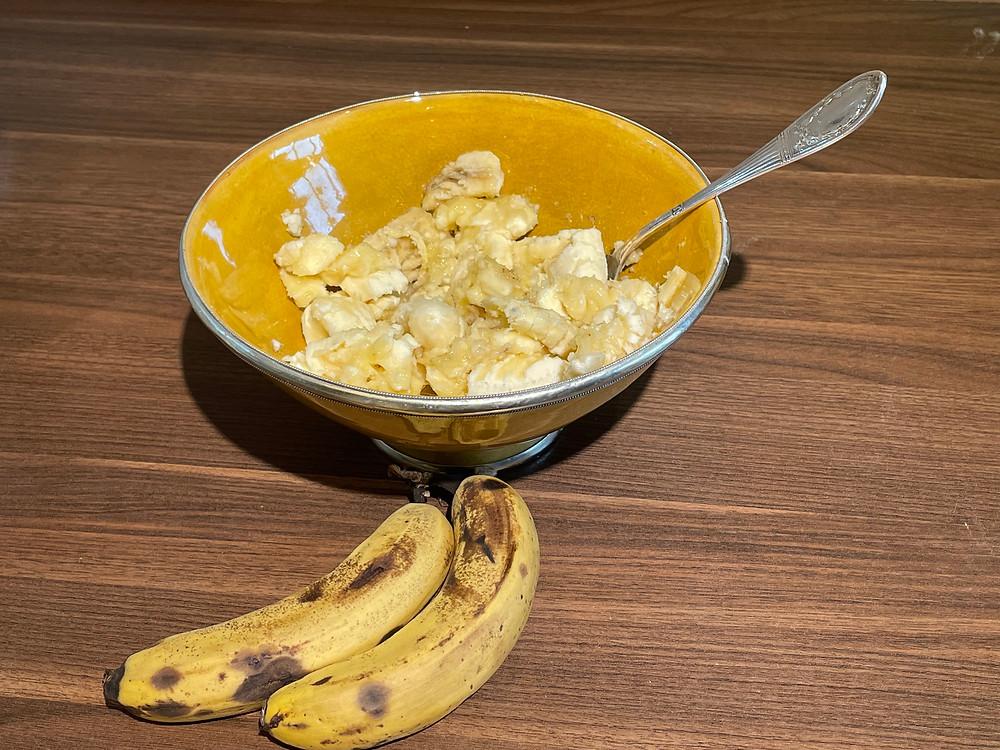 reife Bananen zerdrücken / Zucker & Zitrone 2021