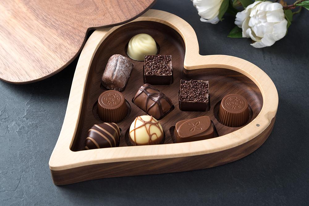 Croglin Luxury Wooden Chocolate Box