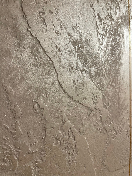 Textures of gold, transforming your walls to art