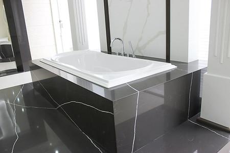 Pietra Grey bath