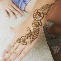 Floral henna tattoo - Rogue Valley