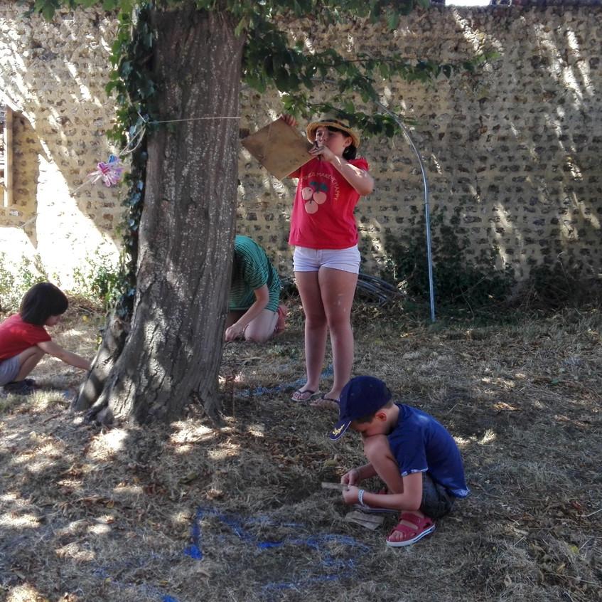 Lucien, Adèle et Jules ont choisi le même arbre
