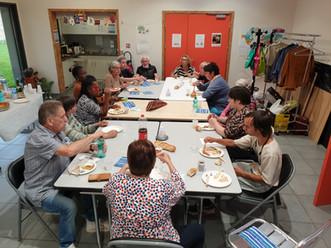Repas partagé avec les adhérents du secteur familles