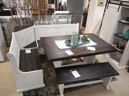 Carriage House Dining Set