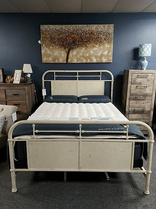 Hadulus  Metal Bed Frame