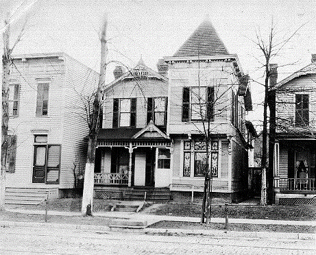 1330 N Huron Curbside 1895