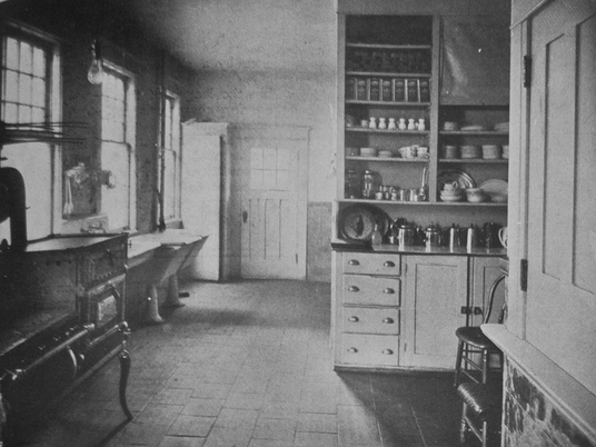 Kitchen-1910.png