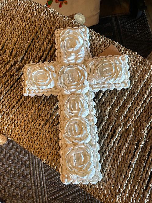 Croix en coquillage