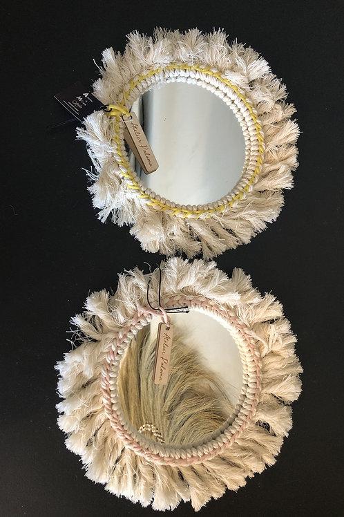 Miroir en macramé - Liseret jaune ou rose