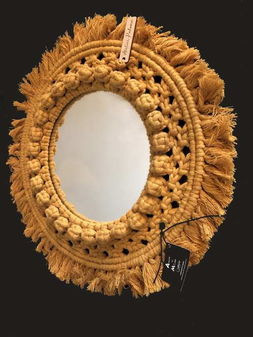 Grand miroir en macramé - Moutarde.JPG