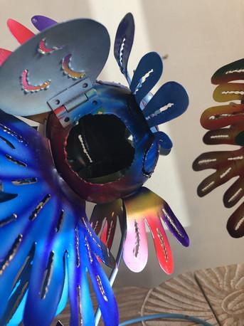 Poisson photophore en métal coloré.JPG