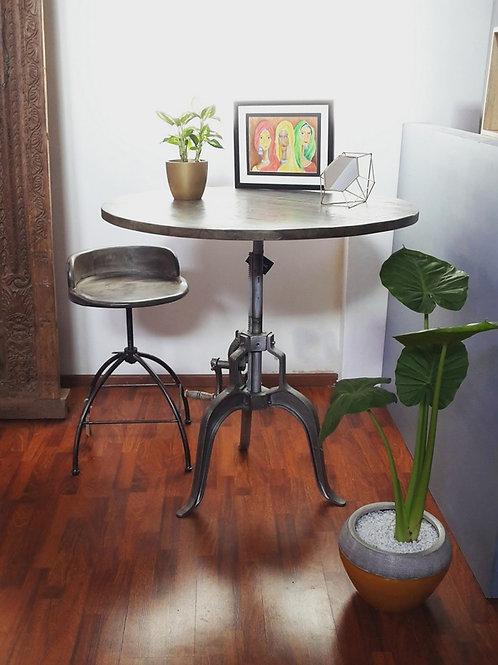 Table à manivelle -517 €