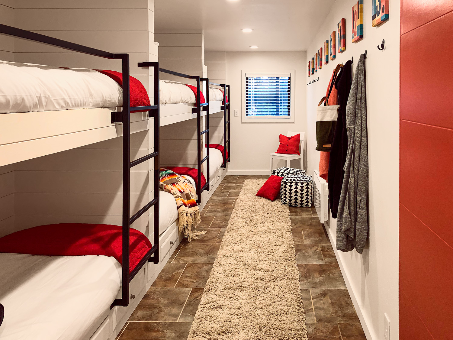 Cozy Bunkroom for Six