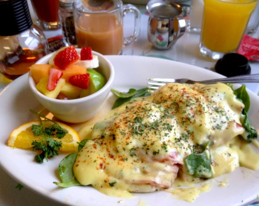 Eggs Benedict at Wanda's Cafe