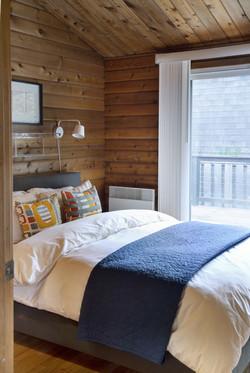 Oceanfront Modern Cabin Master Bed