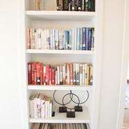 Books Lodge - The Houses on Manzanita Beach