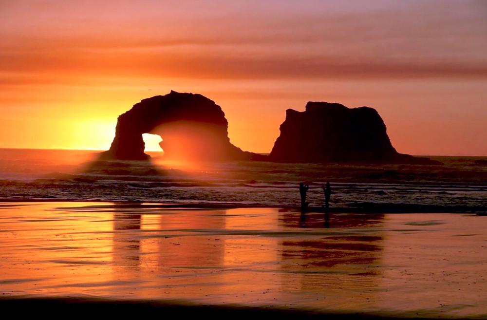 Rockaway Beach features a long, seven mile sandy beach