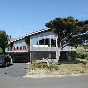 A Stay at the Oceanfront Lodge in Manzanita, Oregon!