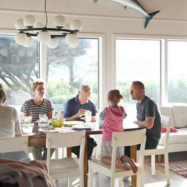 Dinner Lodge - The Houses on Manzanita Beach