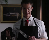 Henry with knife in PROPERTY.png
