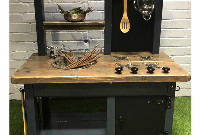 Mud Kitchen 1 Bowl, Hob, Oven, Tap, painted frame select bench finish
