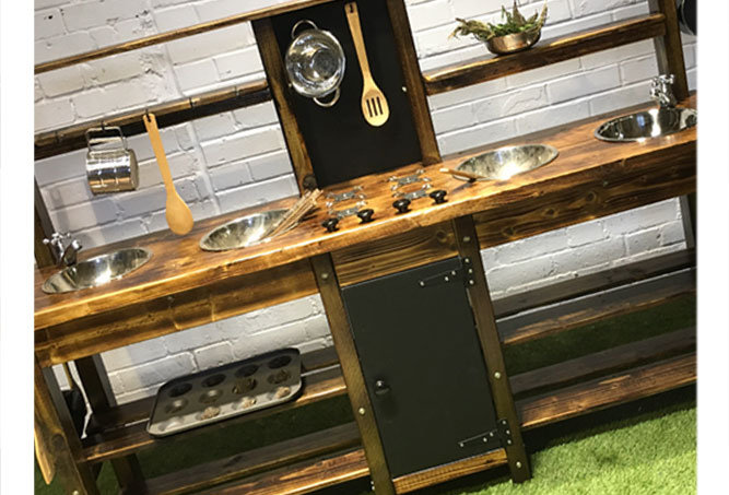 4 Bowl Mud Kitchen, Hob, Oven, Taps, Osmo UV Finish