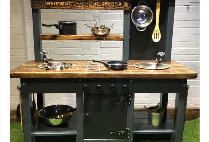 Mud Kitchen 2 bowl oven taps