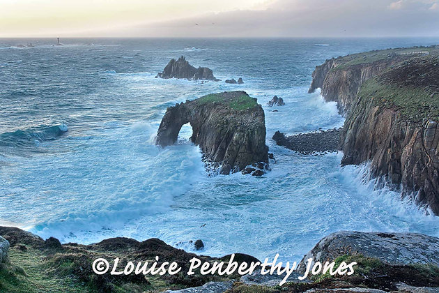 Enys Dodnan Arch - Lands End